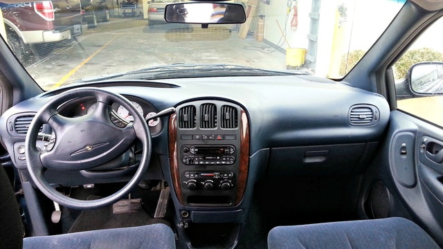 Chrysler Town Country Lx Pic X on 1995 Dodge Caravan Interior