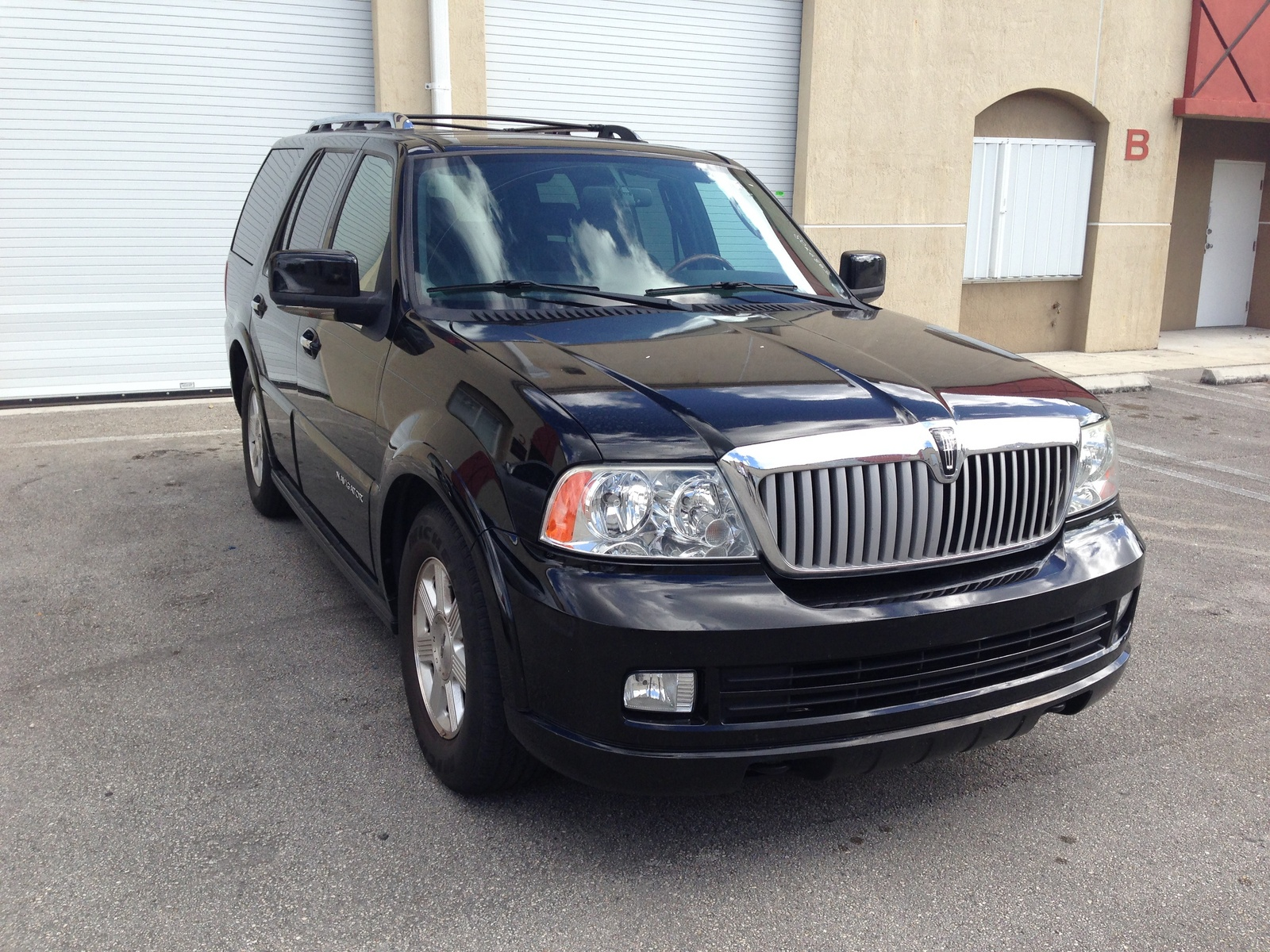 used 2010 lincoln mkx for sale pricing features edmunds. Black Bedroom Furniture Sets. Home Design Ideas