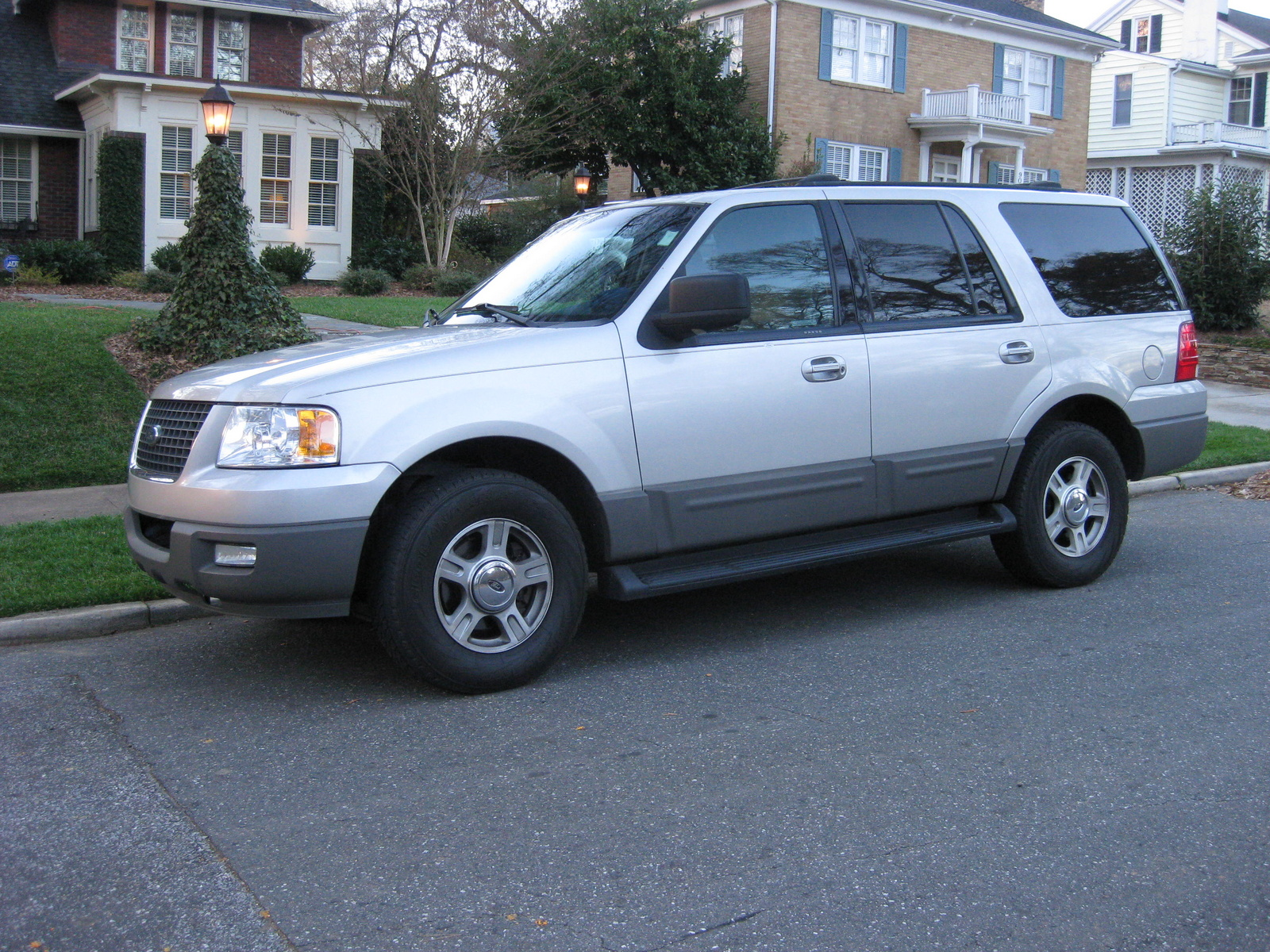 Ford Expedition Xlt Pic