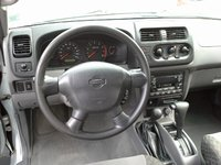 Picture of 2001 Nissan Xterra XE, interior, gallery_worthy