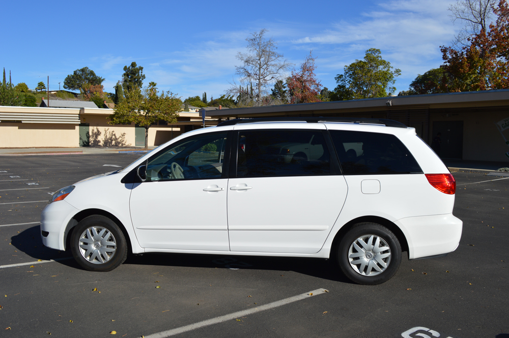 2010 Toyota Sienna Pictures Cargurus