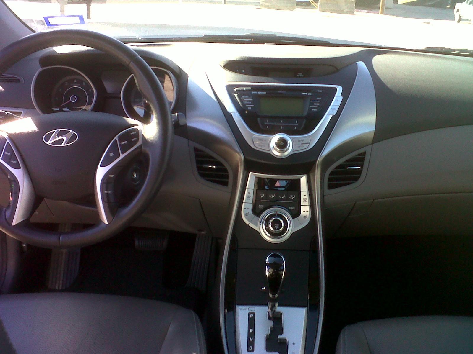2011 Hyundai Elantra Interior Pictures Cargurus
