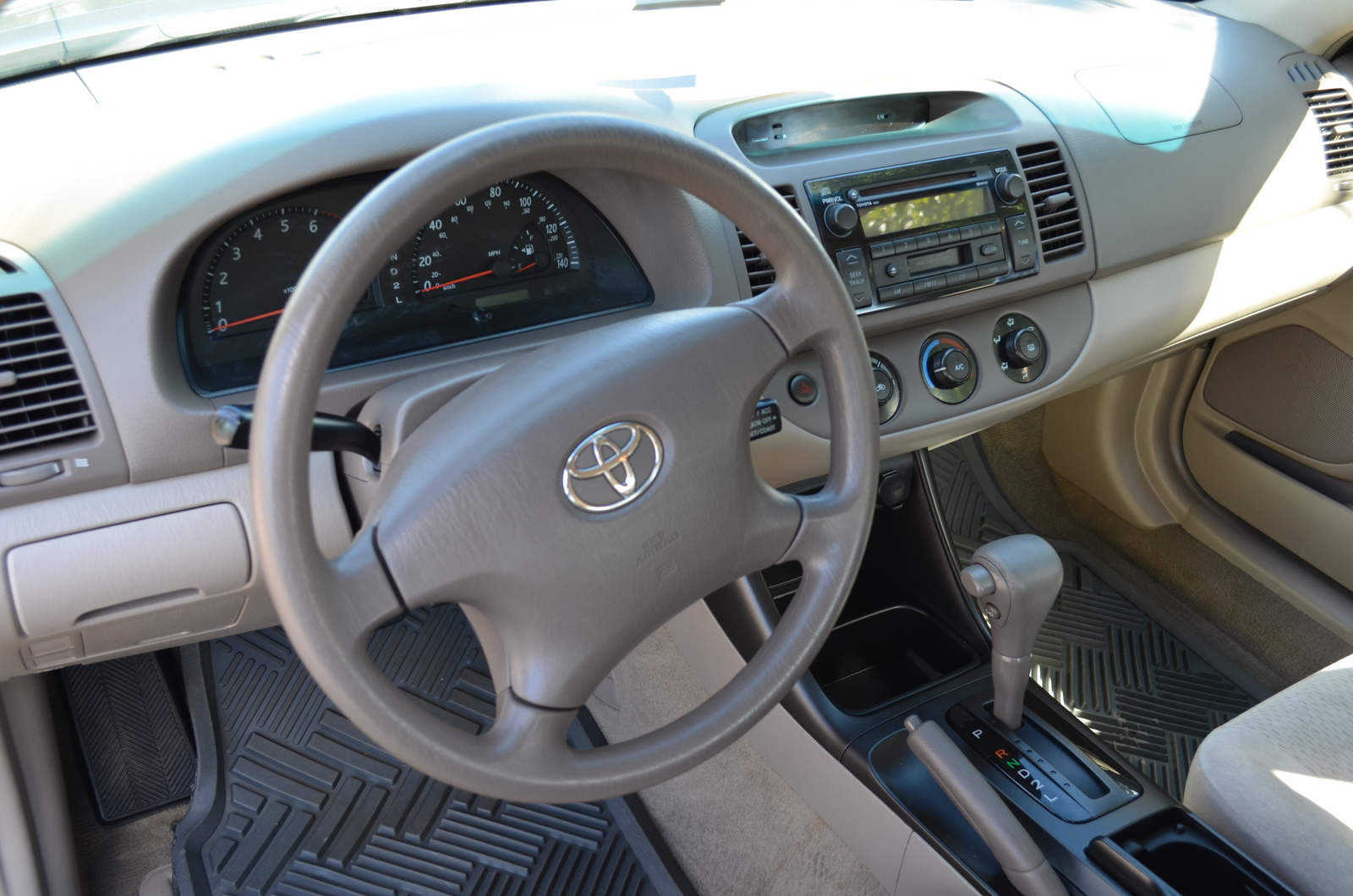 2003 toyota camry interior pictures cargurus. Black Bedroom Furniture Sets. Home Design Ideas
