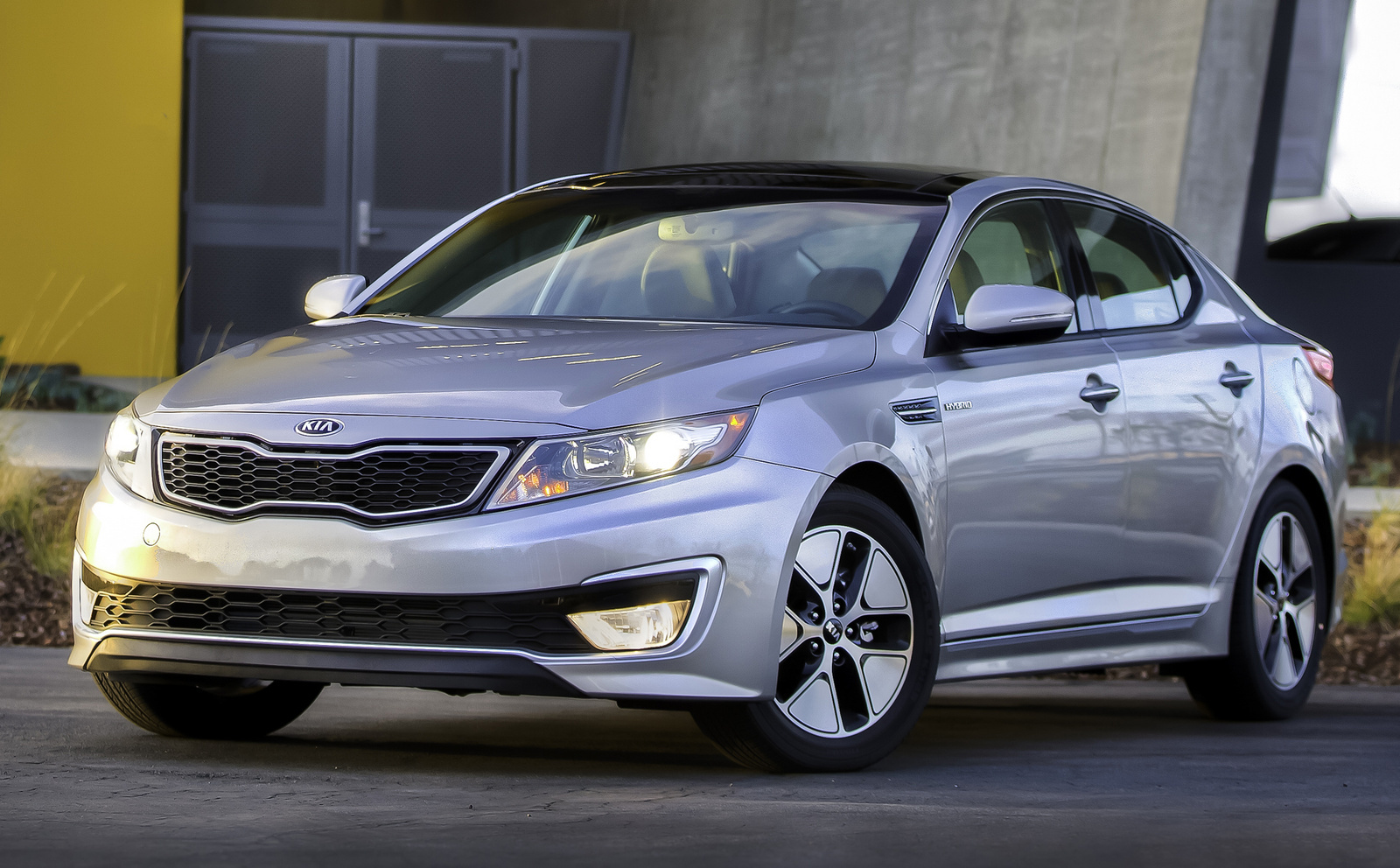 kia optima review speed pin top