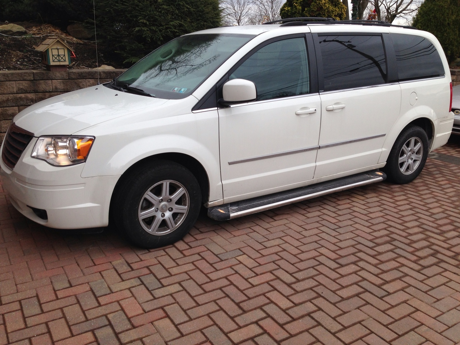 picture of 2010 chrysler town country touring plus exterior. Cars Review. Best American Auto & Cars Review