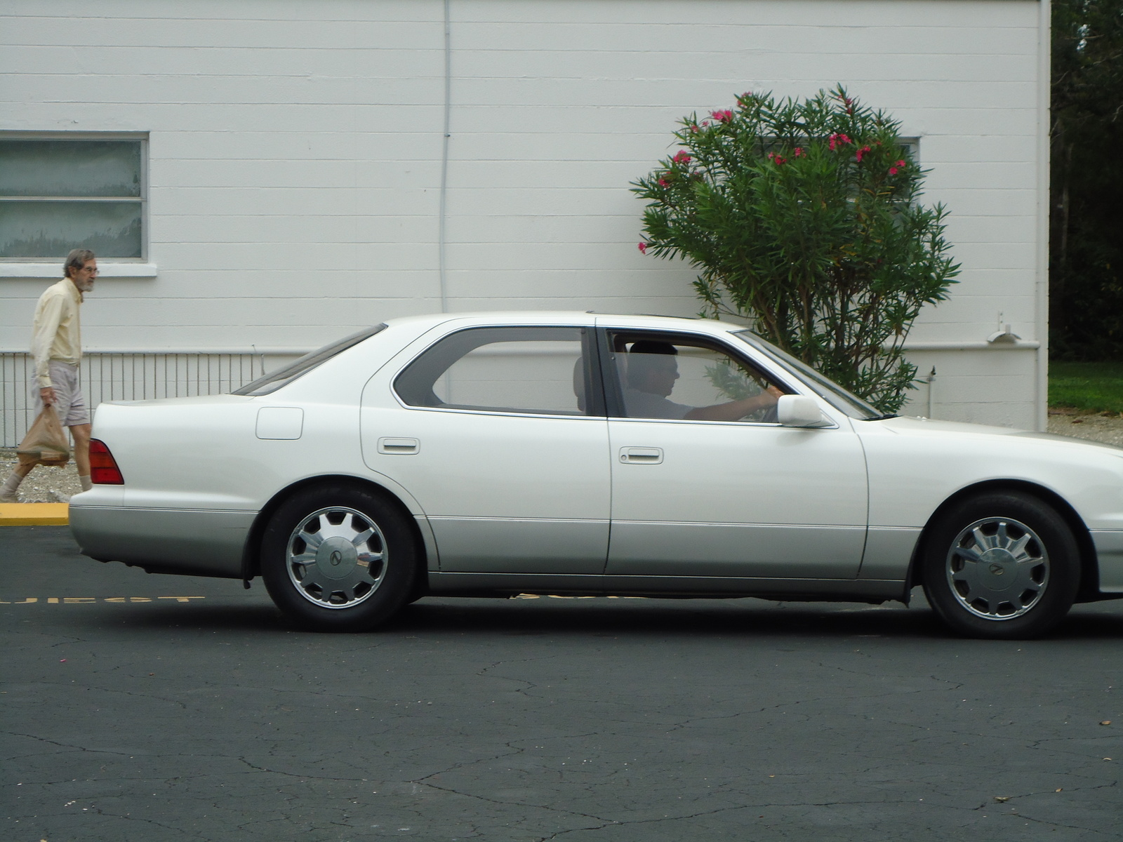 Picture of 1996 Lexus LS 400 Base