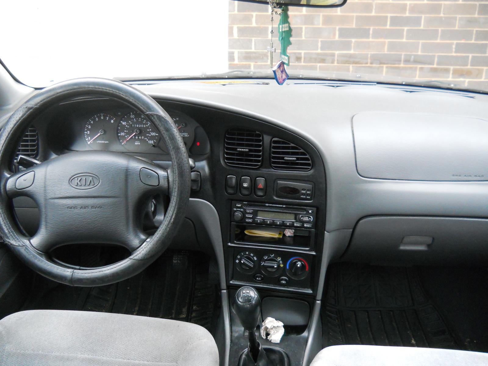 2001 Kia Sephia - Interior Pictures