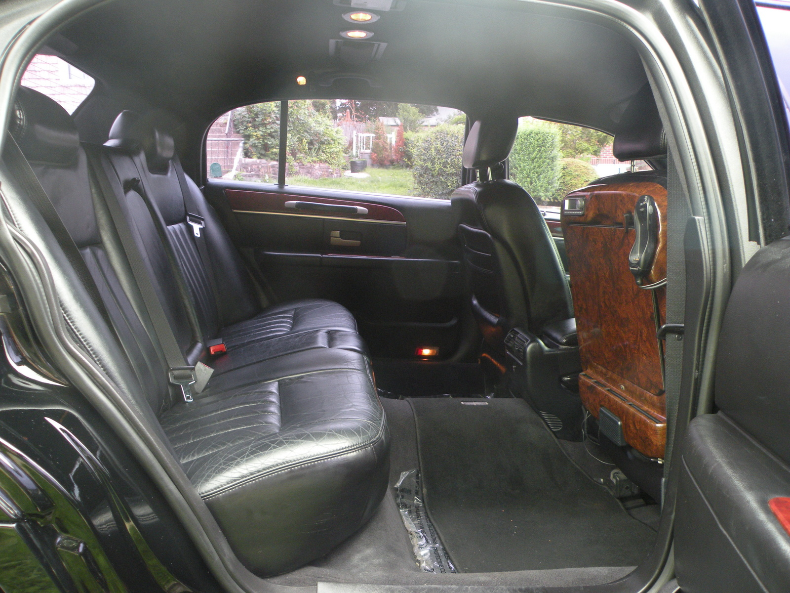 2014 lincoln town car interior picture of 2005 lincoln town. Black Bedroom Furniture Sets. Home Design Ideas