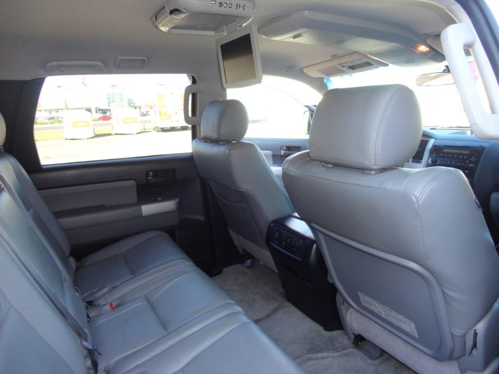 2008 toyota sequoia pictures cargurus - Toyota sequoia interior dimensions ...