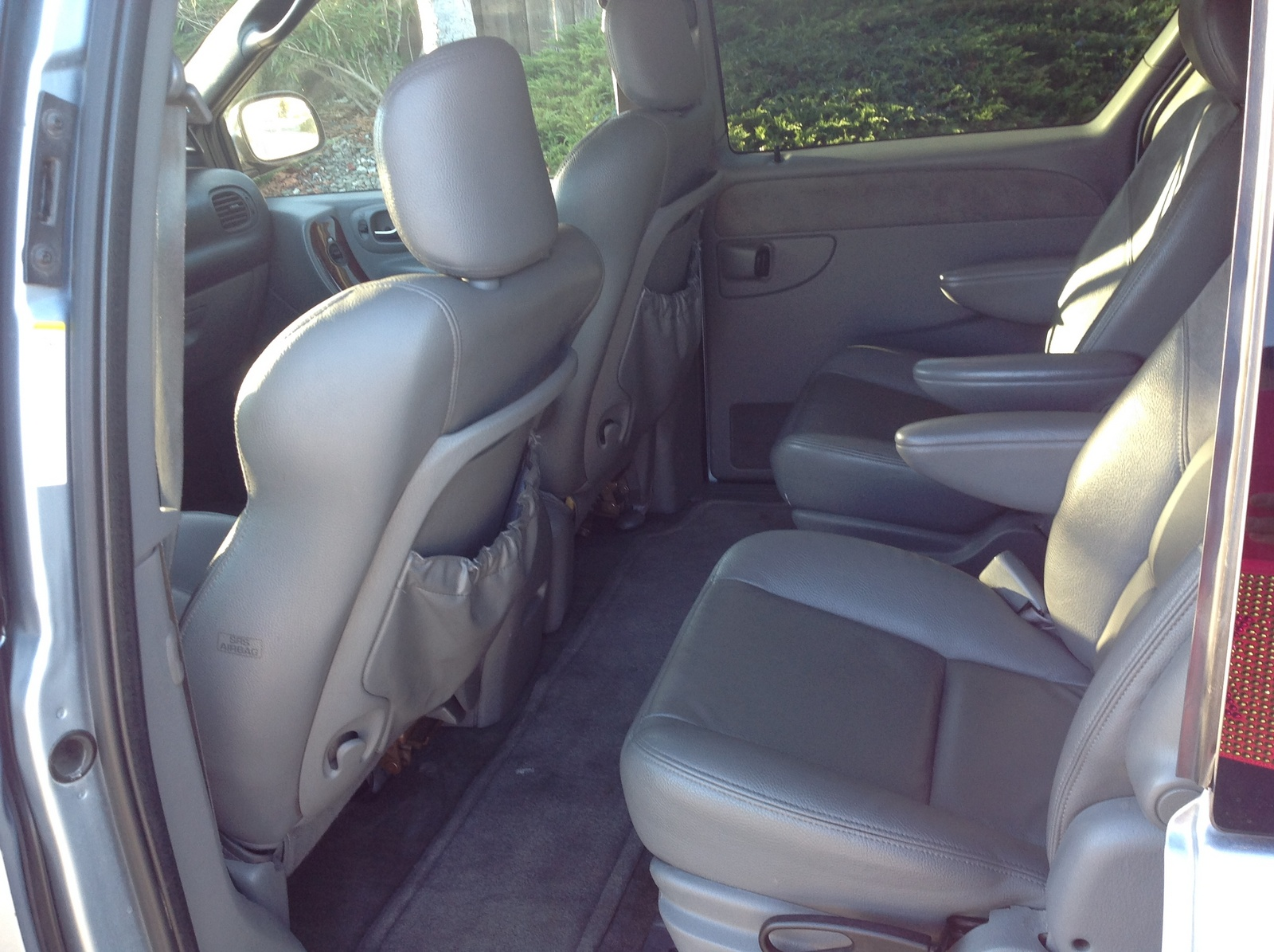 2004 chrysler town country pictures cargurus. Black Bedroom Furniture Sets. Home Design Ideas