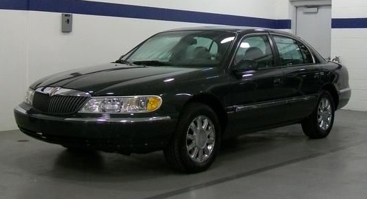 2002 Lincoln Continental 4 Dr STD Sedan picture