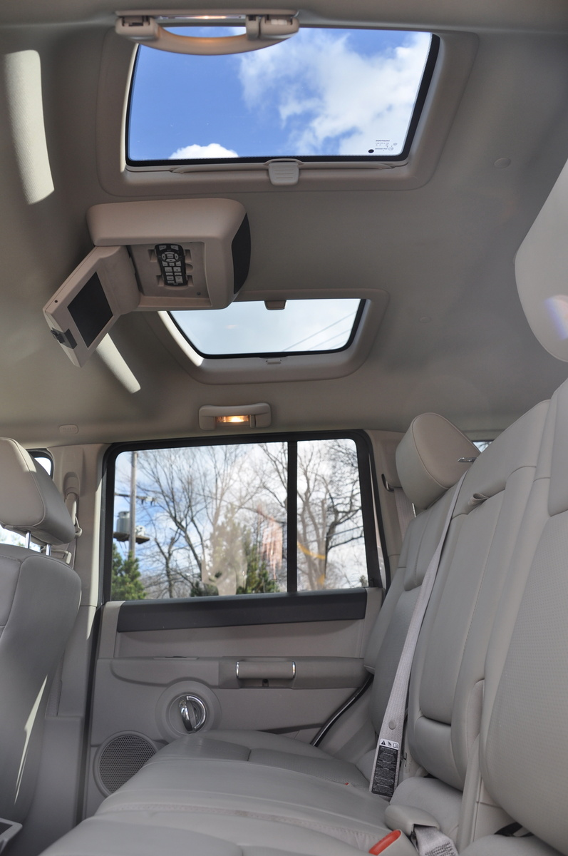 Jeep Renegade Interior >> 2006 Jeep Commander - Pictures - CarGurus