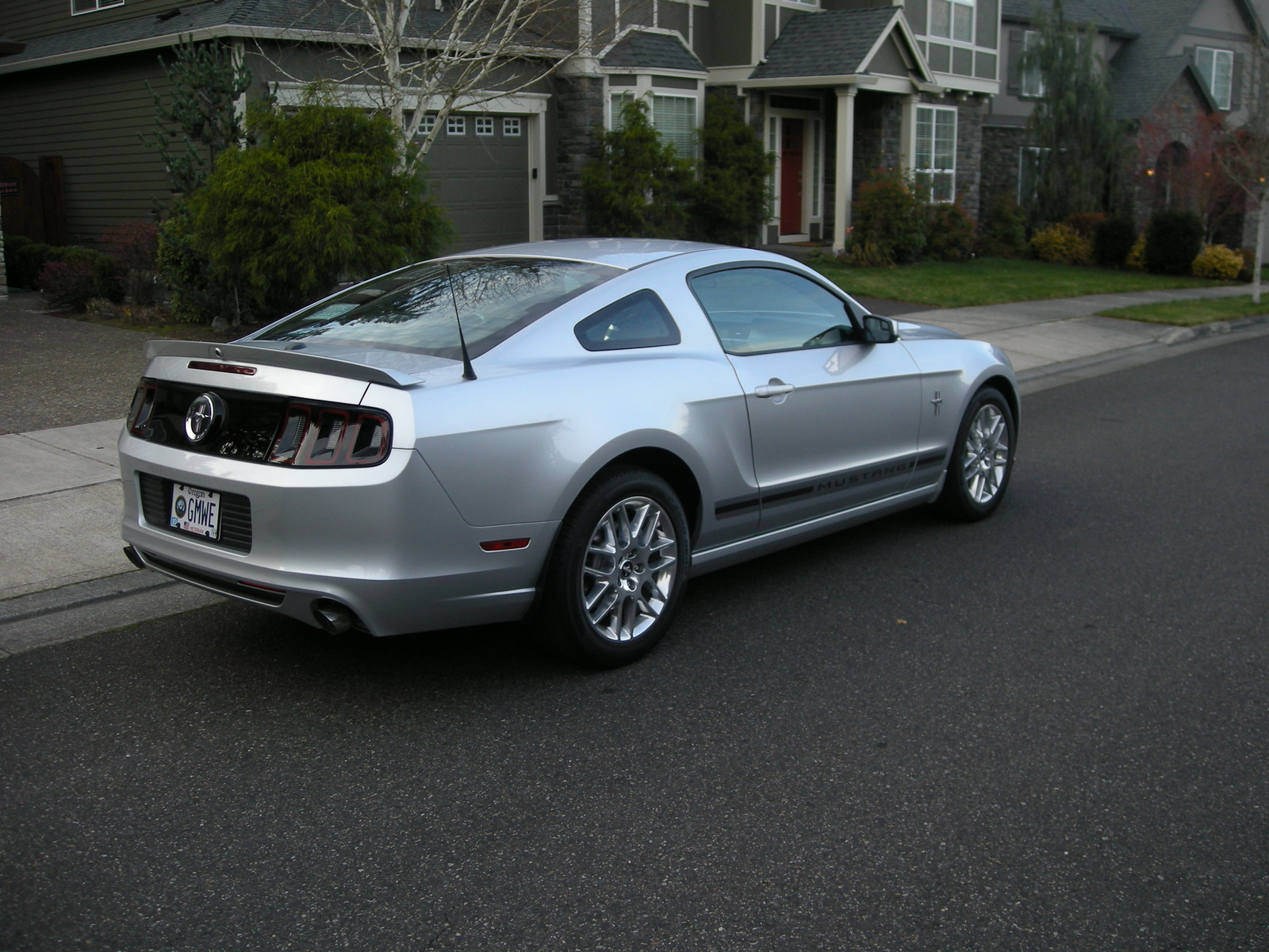 2014 ford mustang pictures cargurus. Black Bedroom Furniture Sets. Home Design Ideas