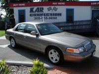 2002 Ford Crown Victoria LX, exterior