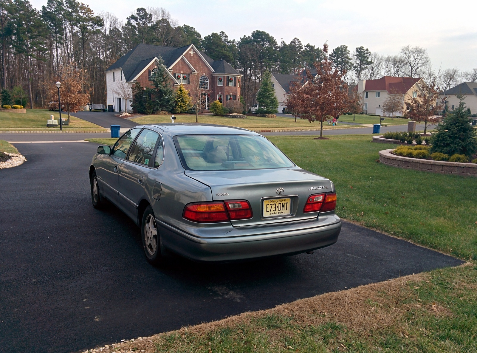 Picture of 1999 Toyota Avalon 4 Dr XL Sedan