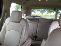 Picture of 2010 Saturn Outlook XR, interior