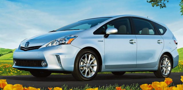 2014 Toyota Prius v, Front-quarter view, exterior, manufacturer, gallery_worthy