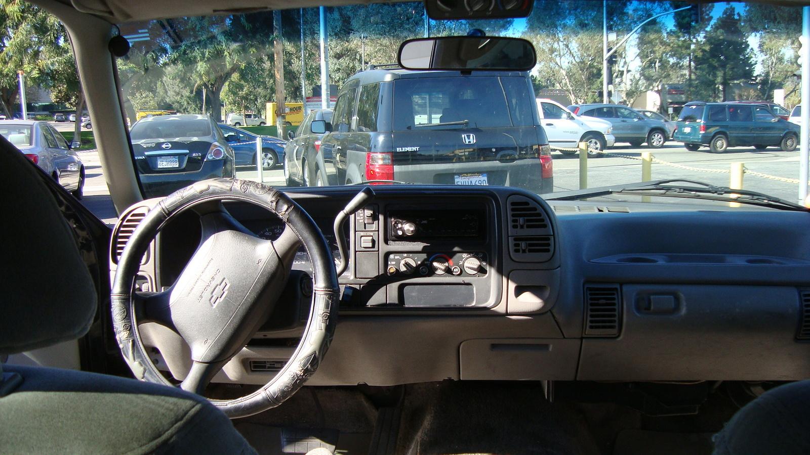 Picture of 1995 Chevrolet Suburban C1500, interior