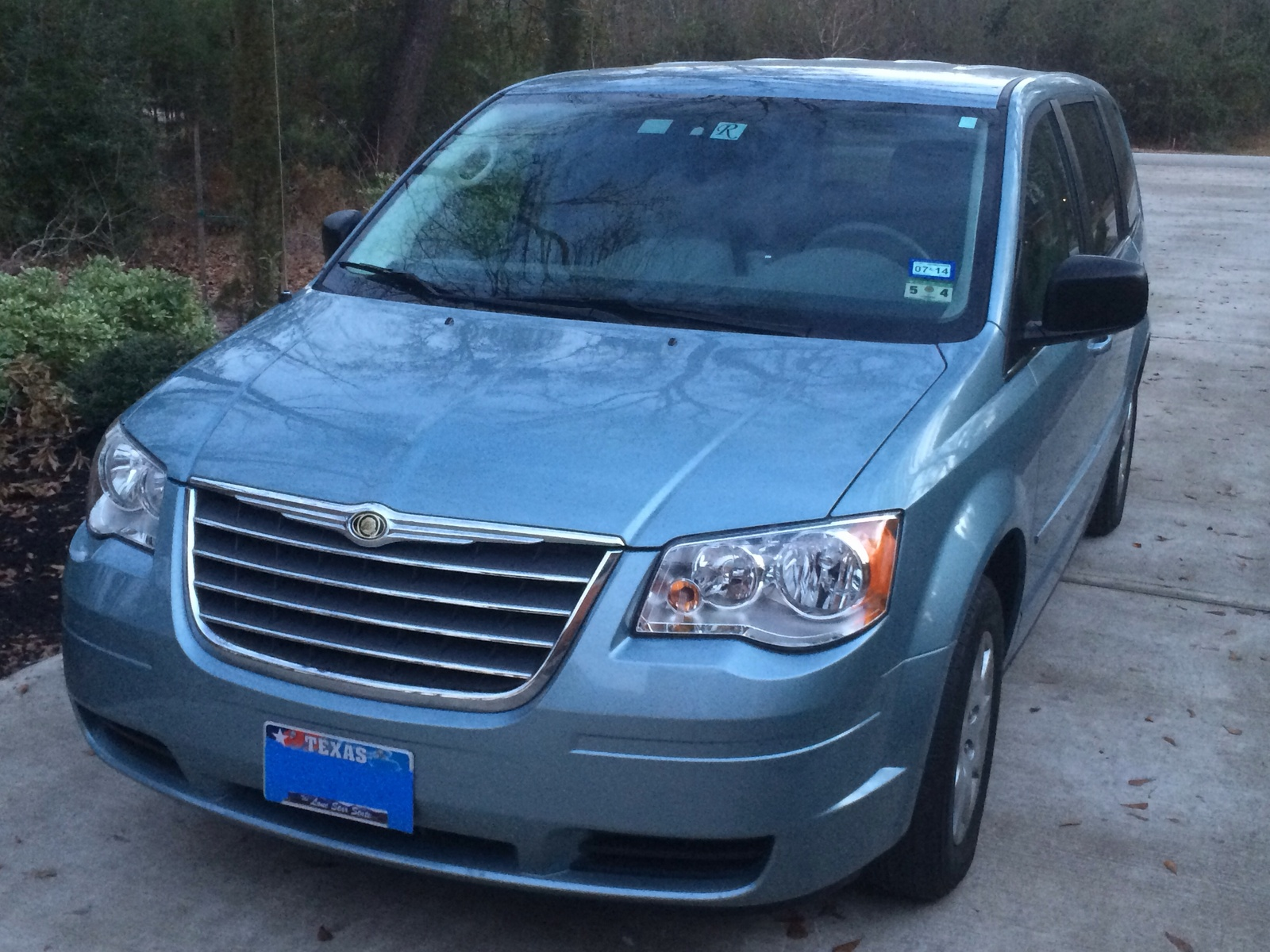 picture of 2009 chrysler town country lx exterior. Cars Review. Best American Auto & Cars Review
