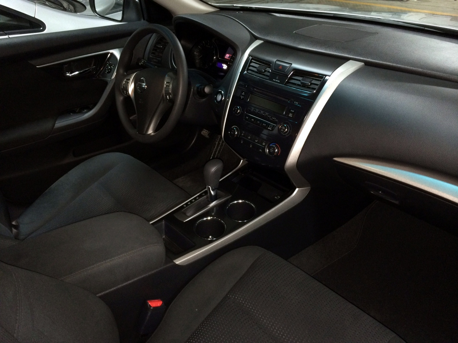 nissan altima 2 5 s 2014 interior. Black Bedroom Furniture Sets. Home Design Ideas
