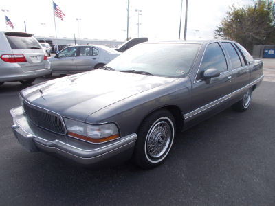 1992 Buick Roadmaster 4 Dr Limited Sedan picture