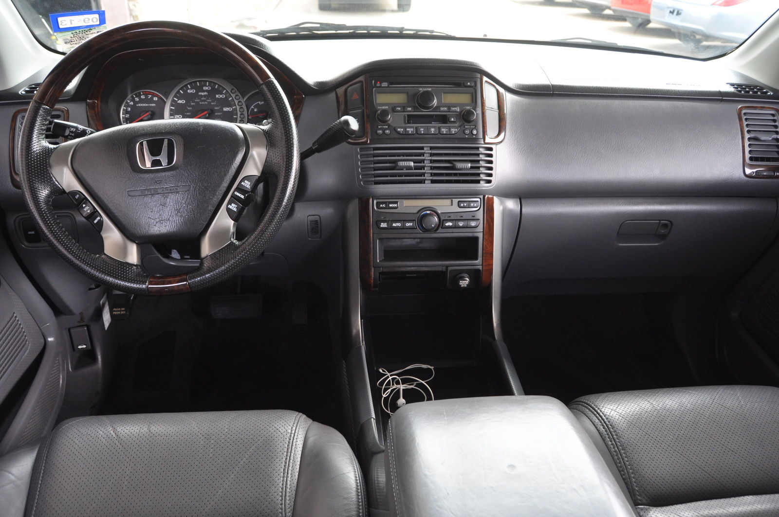 2003 honda pilot interior pictures cargurus. Black Bedroom Furniture Sets. Home Design Ideas