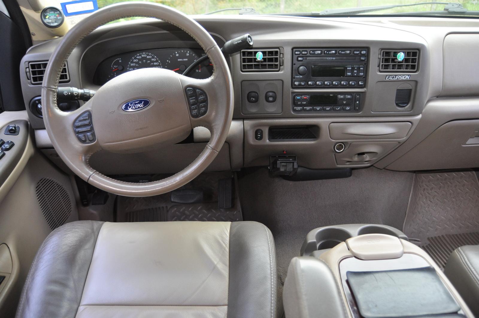 2004 Ford Excursion Interior Photos