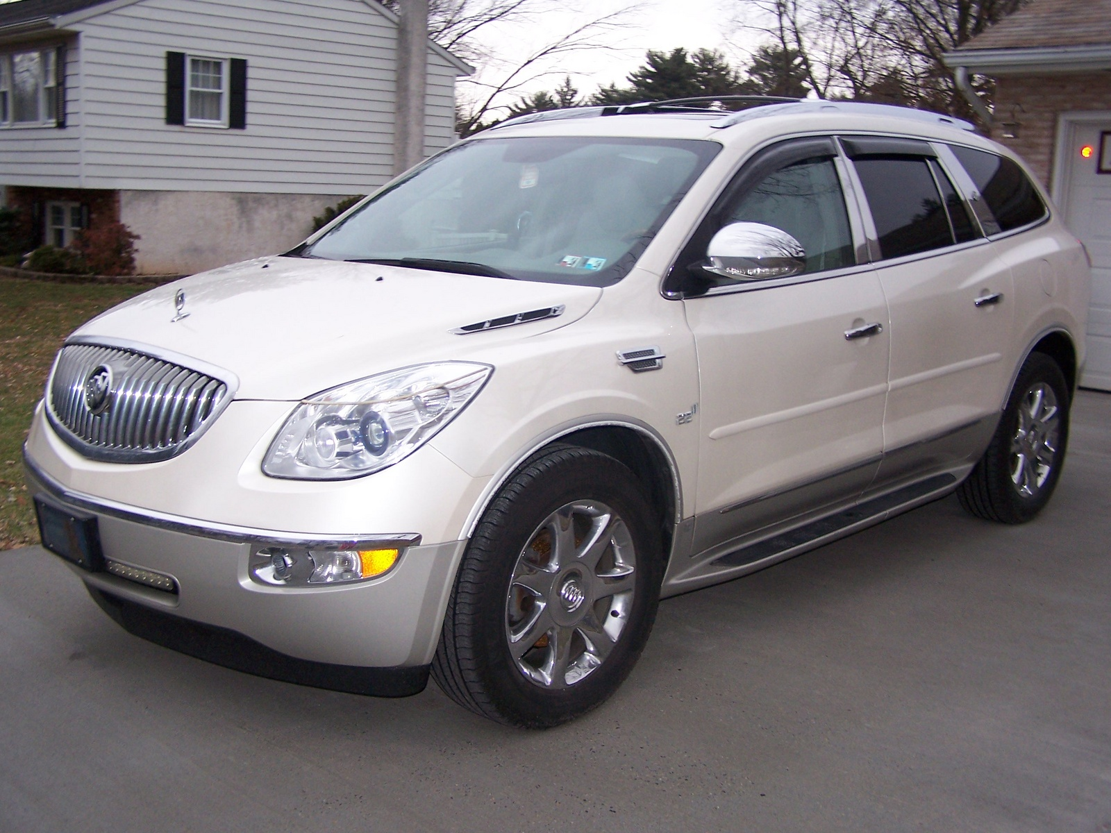 2014 buick enclave reviews autos weblog. Black Bedroom Furniture Sets. Home Design Ideas