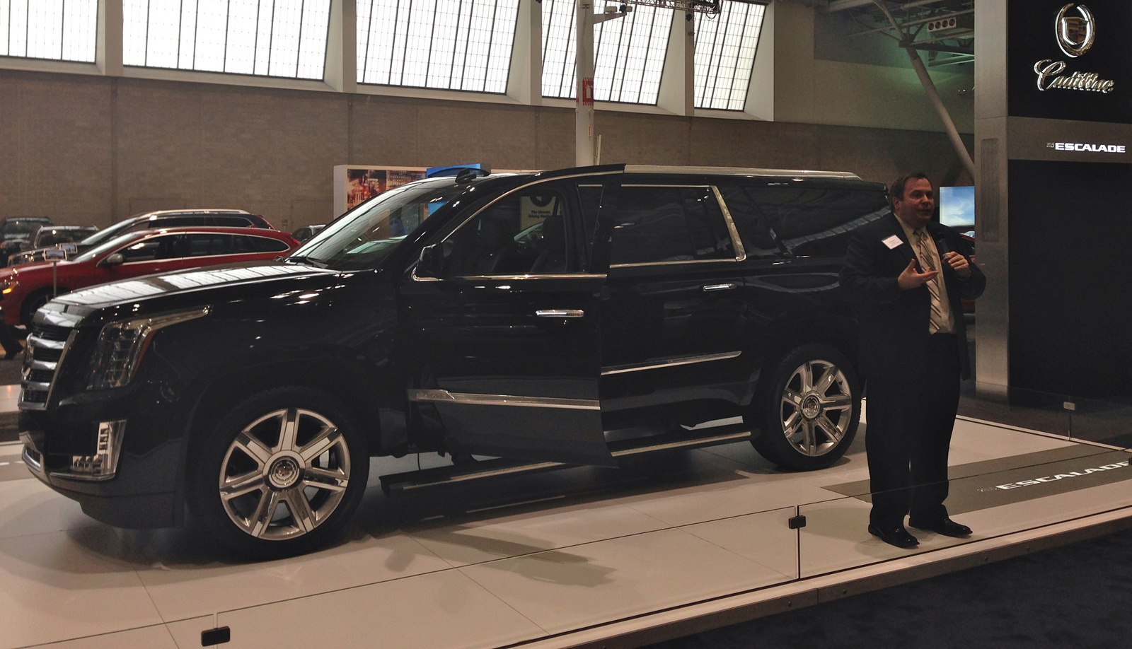 2015 cadillac escalade luxury trim vs premium differences. Black Bedroom Furniture Sets. Home Design Ideas