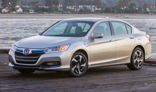 2014 Honda Accord Hybrid, Front-quarter view, exterior, manufacturer, gallery_worthy