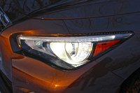 Headlight of the 2014 Infiniti Q50, exterior