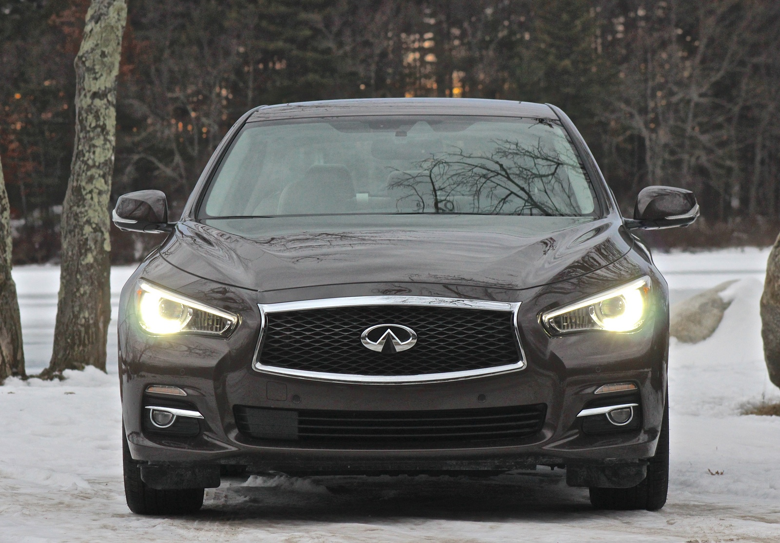 Front view of the 2014 Infiniti Q50
