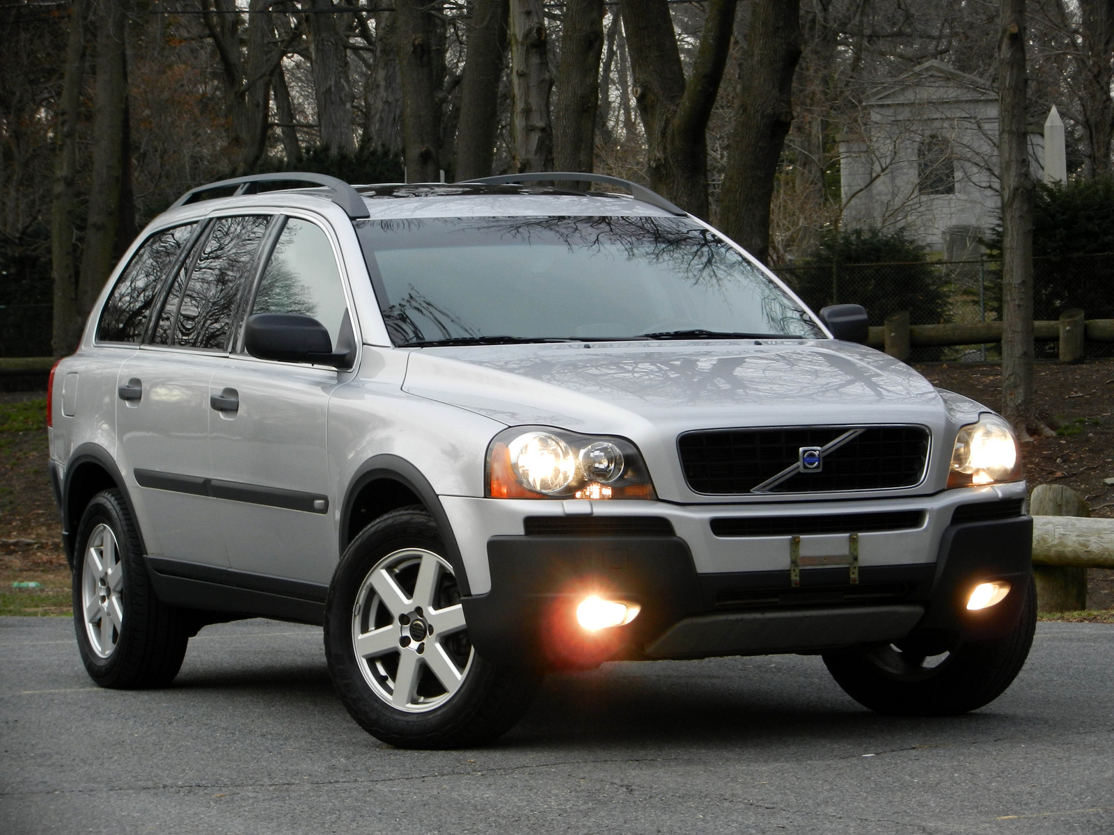 2004 volvo xc90 pictures cargurus. Black Bedroom Furniture Sets. Home Design Ideas