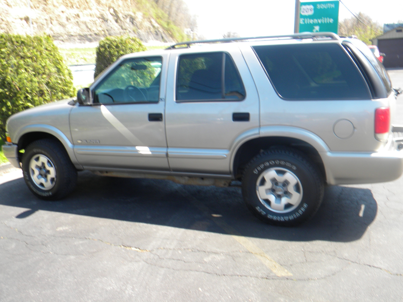 picture of 2002 chevrolet blazer 4 dr ls suv exterior. Cars Review. Best American Auto & Cars Review