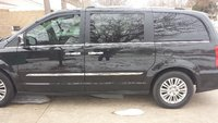 Picture of 2013 Chrysler Town & Country Limited, exterior