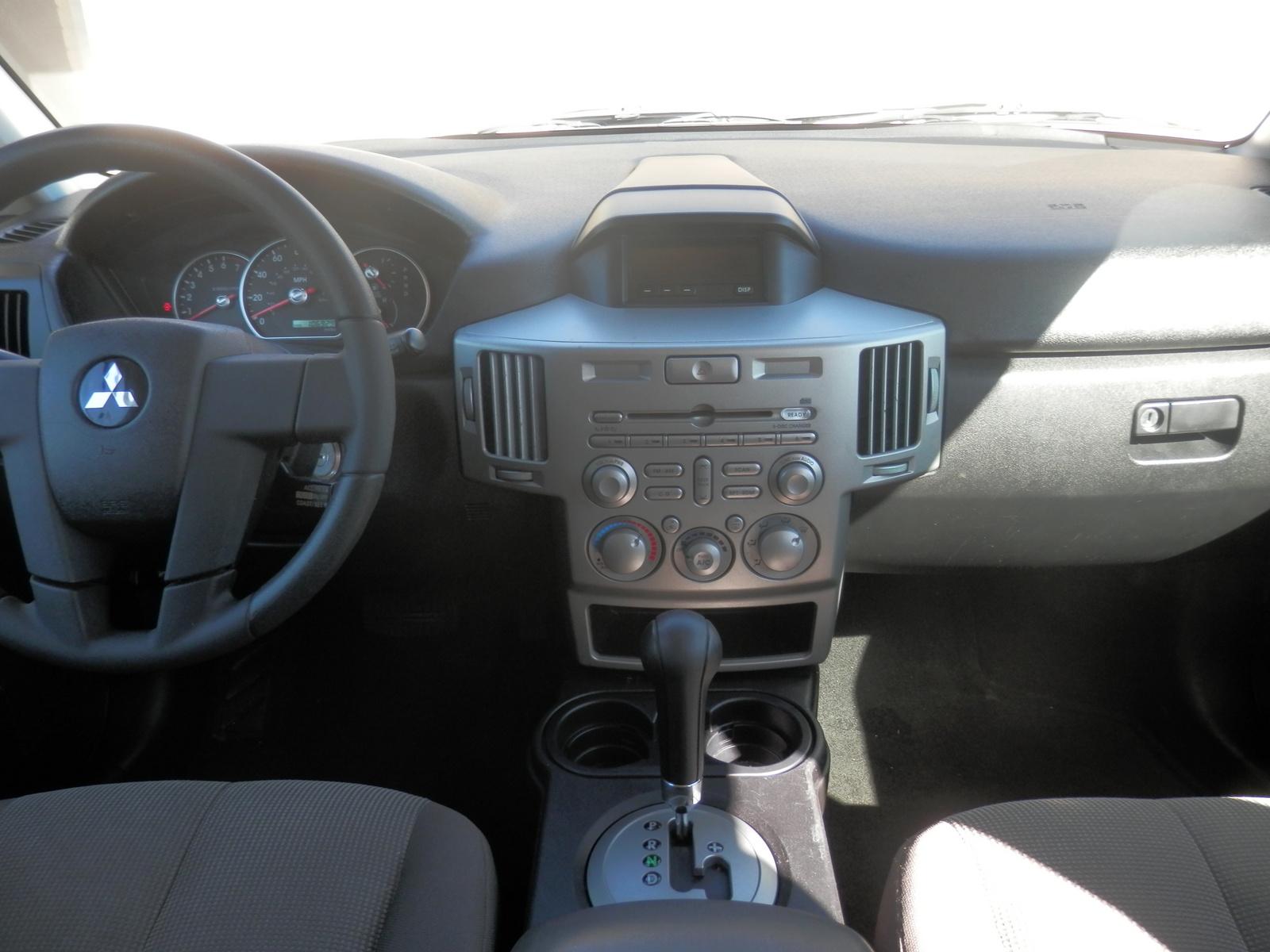 2004 Mitsubishi Endeavor Interior Pictures Cargurus