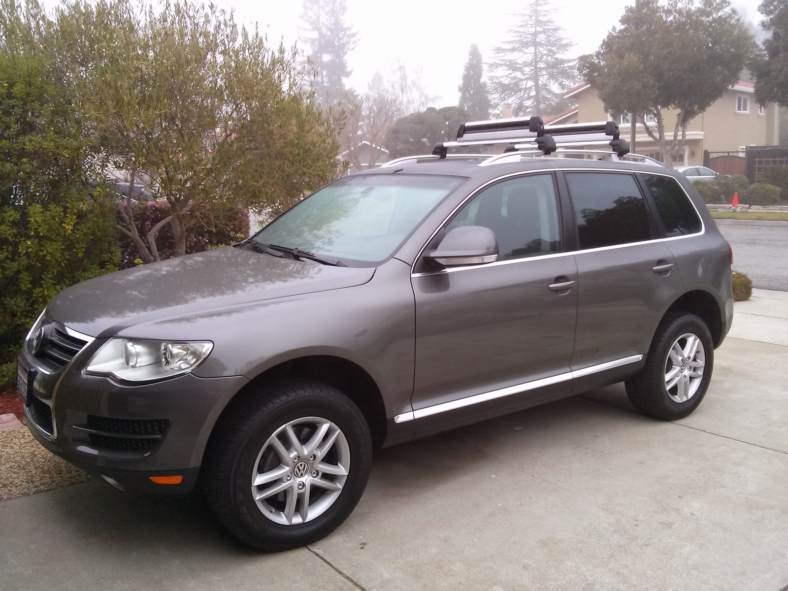 2010 volkswagen touareg 2 review cargurus. Black Bedroom Furniture Sets. Home Design Ideas