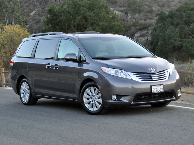 2014 toyota sienna pictures cargurus. Black Bedroom Furniture Sets. Home Design Ideas