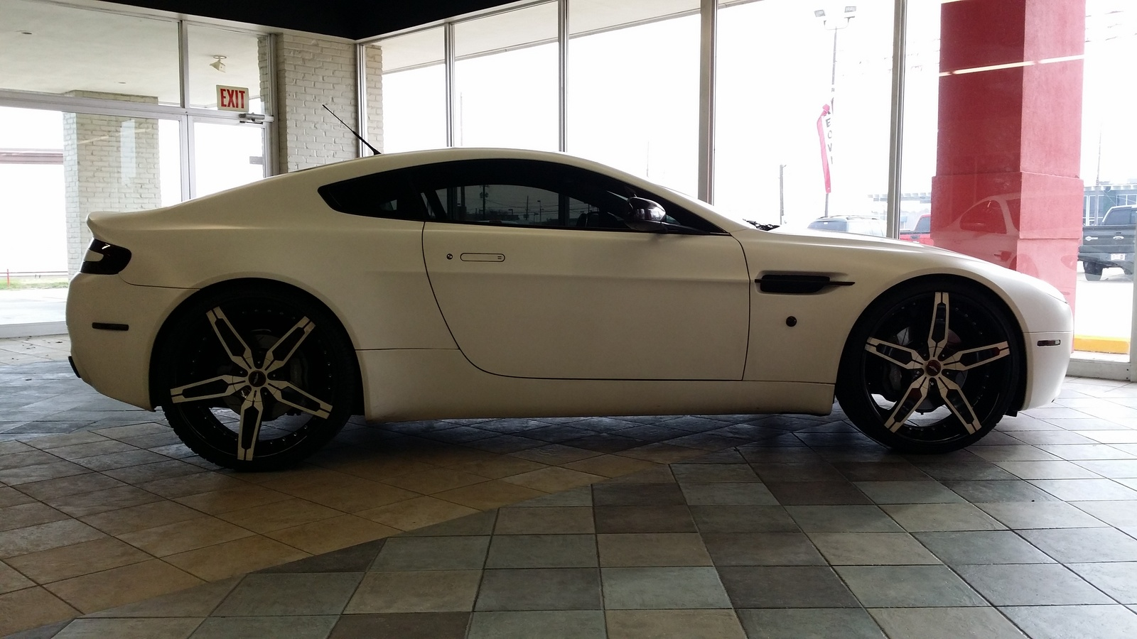 used aston martin v8 vantage for sale cargurus. Black Bedroom Furniture Sets. Home Design Ideas