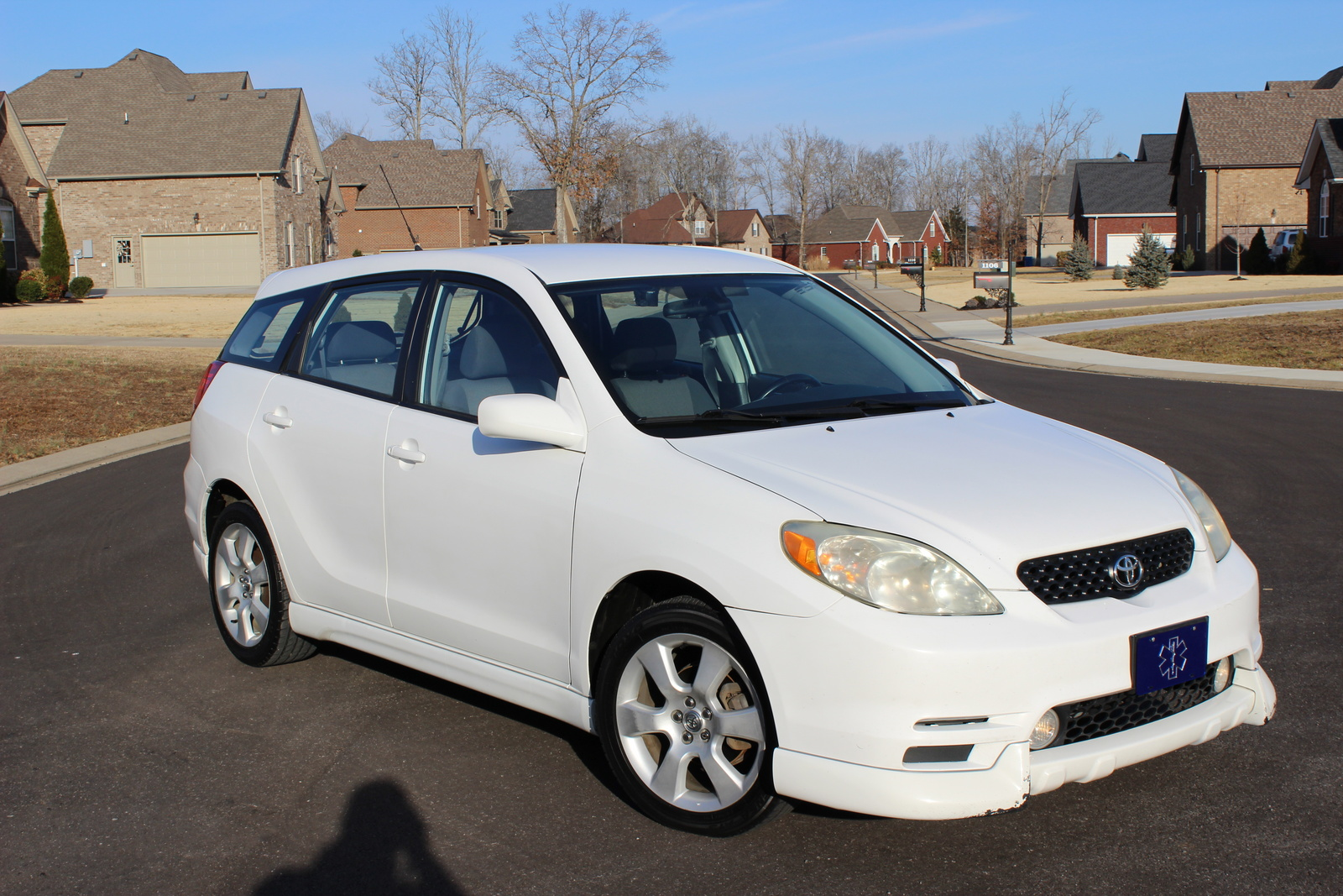 toyota matrix is discontinued find a used toyota matrix. Black Bedroom Furniture Sets. Home Design Ideas