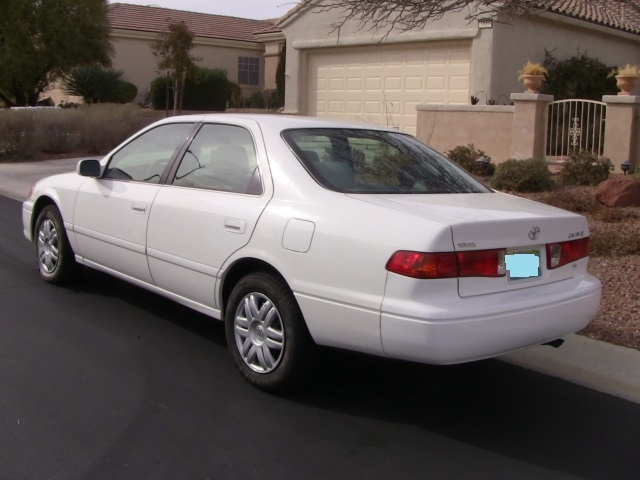 Toyota camry 2001 price submited images