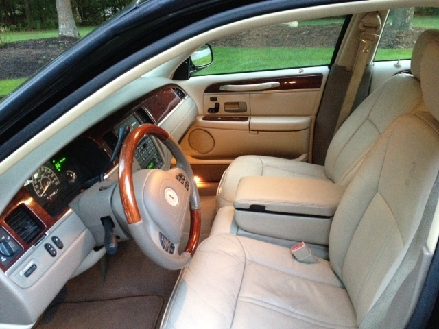 2003 Lincoln Town Car Interior Pictures Cargurus