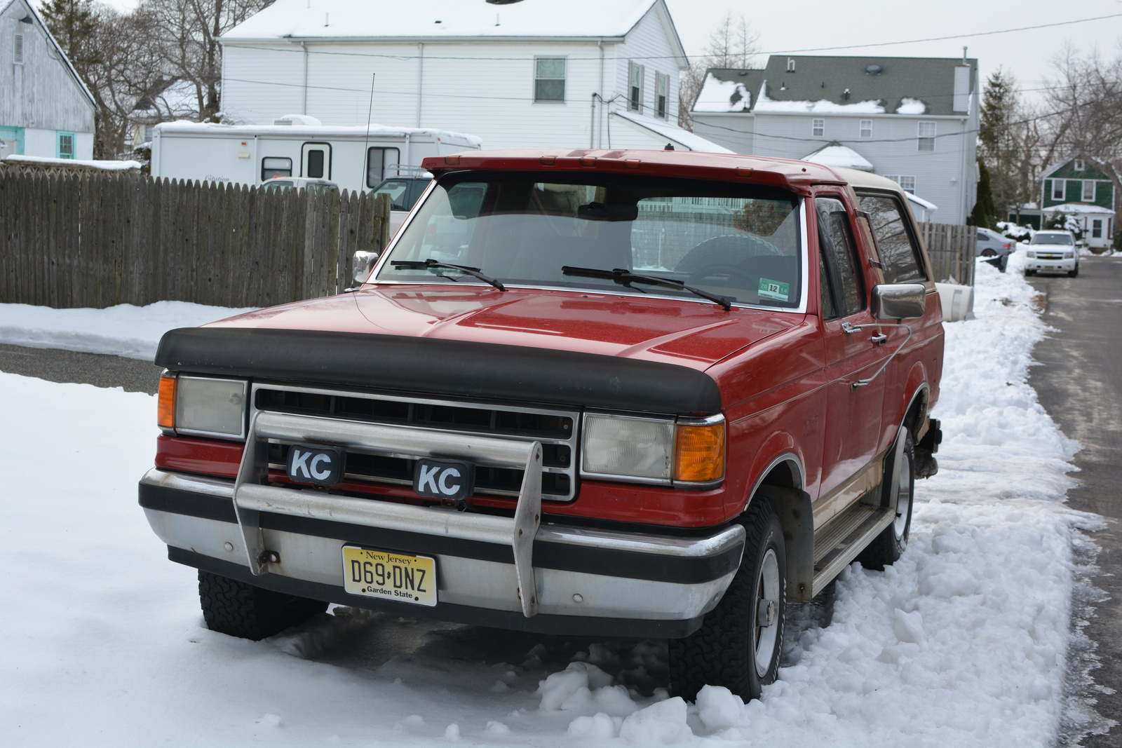the 1990 ford bronco continued the pattern of steady sales