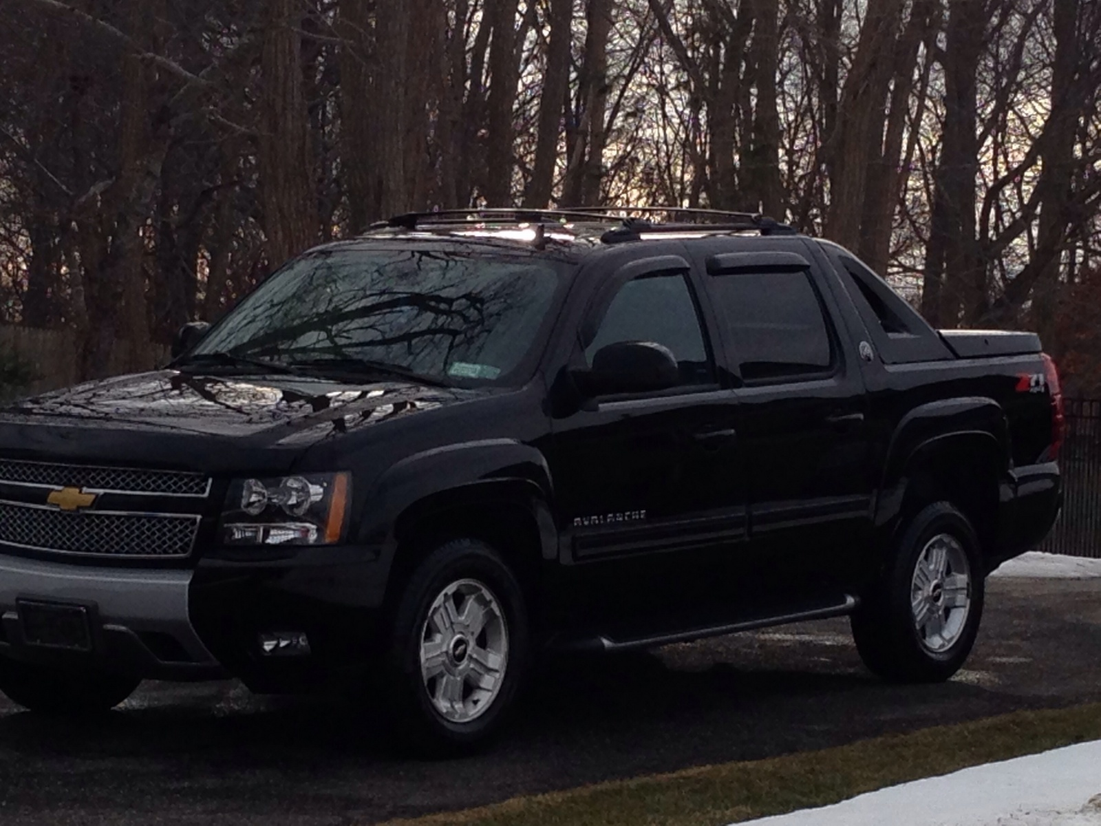 picture of 2013 chevrolet avalanche black diamond lt 4wd exterior. Cars Review. Best American Auto & Cars Review