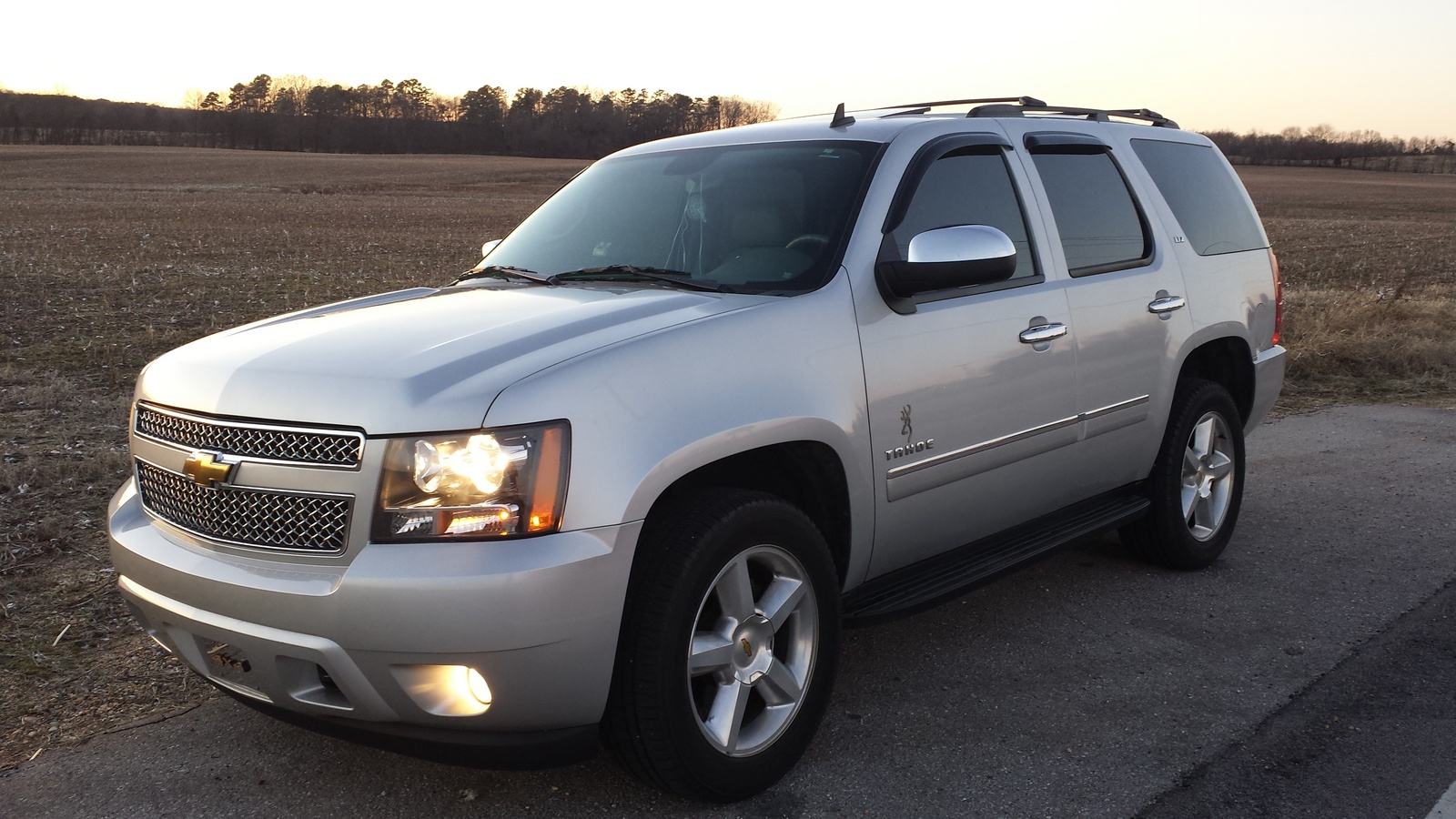 user reviews 2010 chevrolet tahoe ltz 4wd yahoo autos. Black Bedroom Furniture Sets. Home Design Ideas