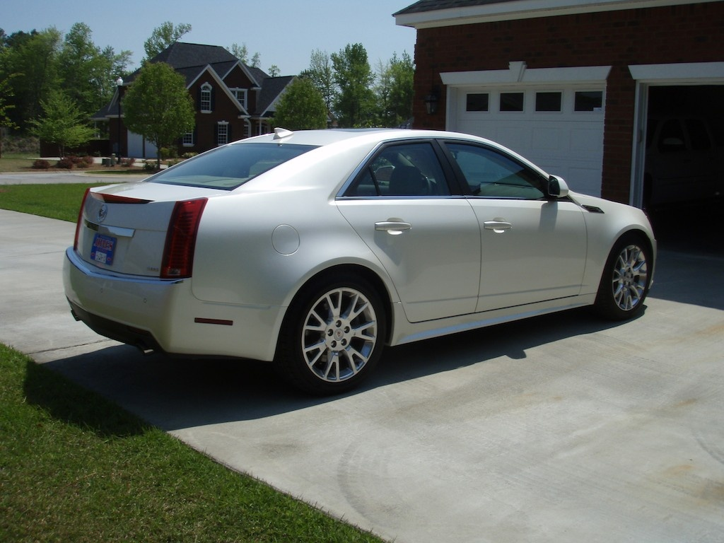 2010 cadillac cts pictures cargurus. Black Bedroom Furniture Sets. Home Design Ideas