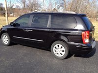 Picture of 2007 Hyundai Entourage Limited FWD, exterior, gallery_worthy