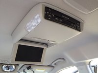 Picture of 2007 Hyundai Entourage Limited FWD, interior, gallery_worthy