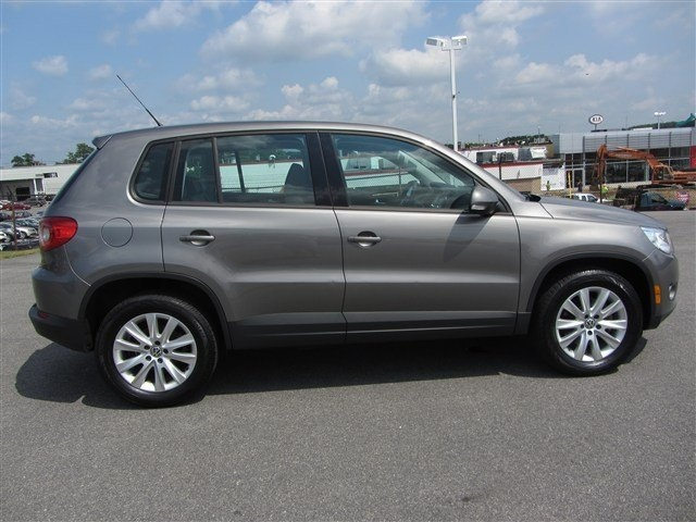 2010 volkswagen tiguan for sale cargurus autos post. Black Bedroom Furniture Sets. Home Design Ideas