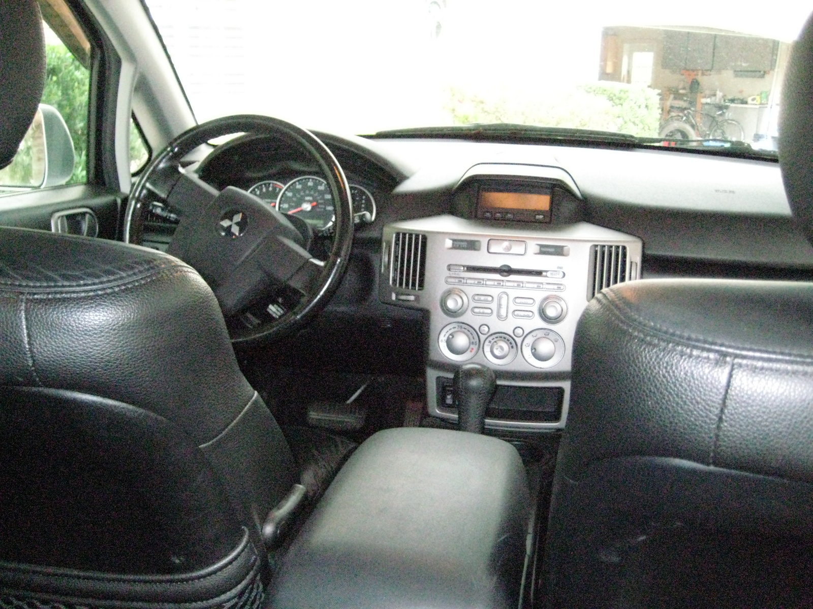 2005 Mitsubishi Endeavor Interior Pictures Cargurus
